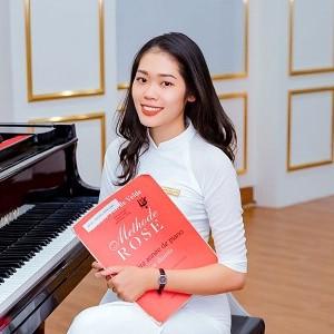 Cô giáo Lan Hương